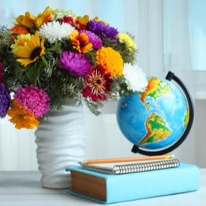 Kvetinová etiketa radí, ako vybrať kyticu pre pani učiteľku